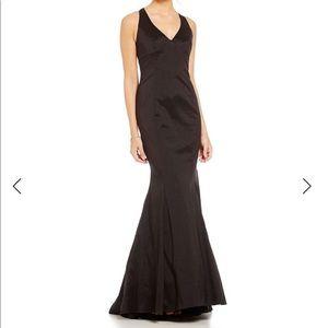 Adrianna Papell V-Neck Trumpet Black Evening Dress